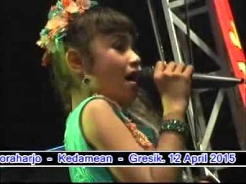 Oleh Oleh -Tasya rosmala-New Abellia Live Kedamean Kendang Cak Met Live terbaru 2015