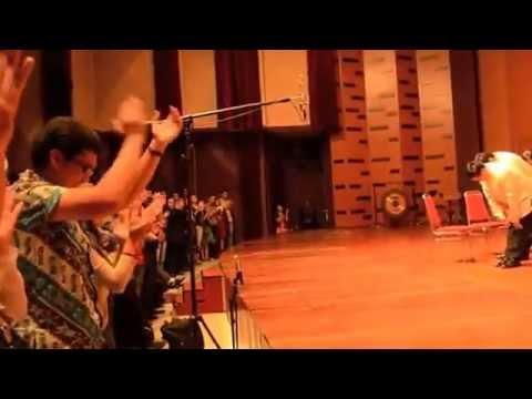 Philippine Madrigal Singers   Laskar Pelangi