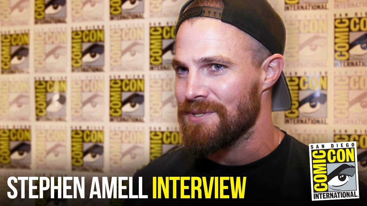 "Stephen Amell Reflects on Seven Seasons of ""Arrow"" and Arrowverse at Comic Con 2018"