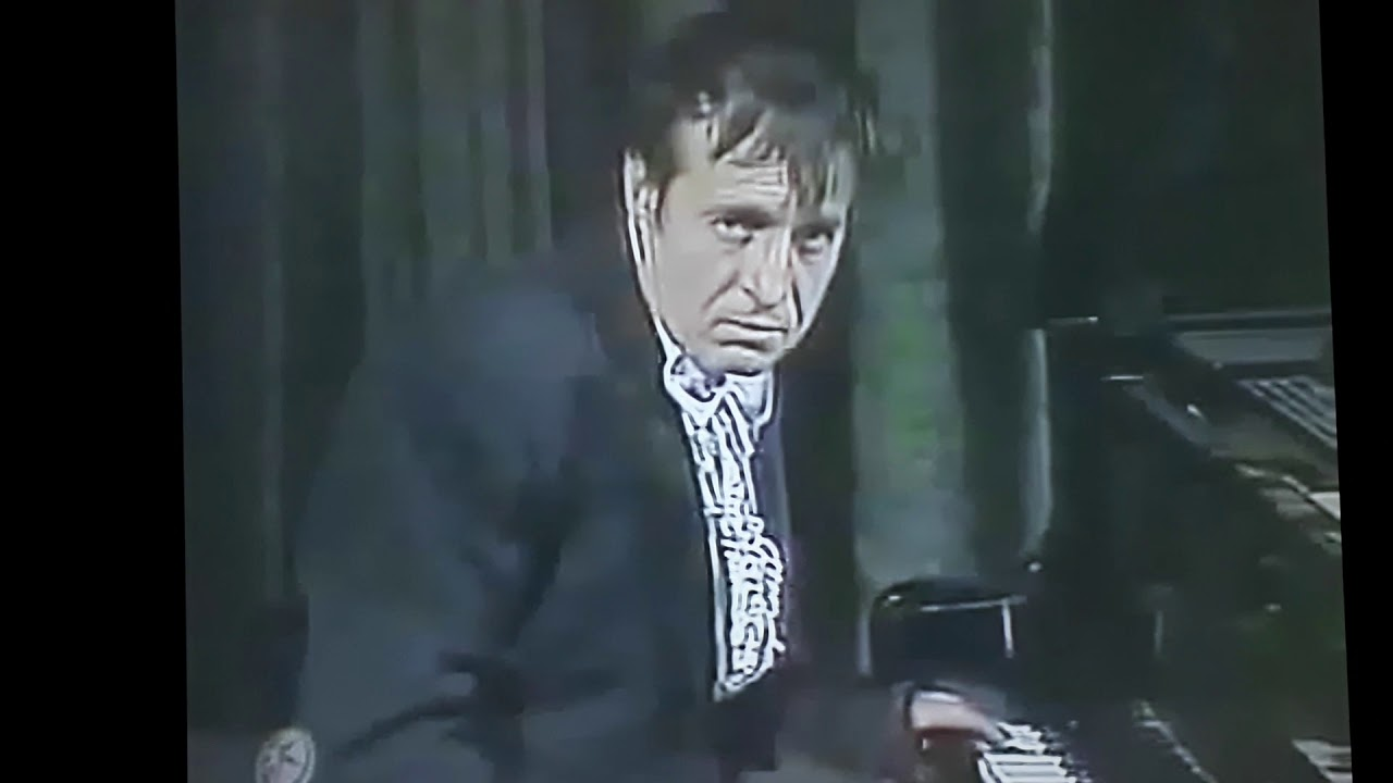 IGUANA 2003 TV - Chespirito  - Cara De Piano