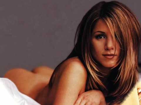 Jennifer aniston spreading legs nude