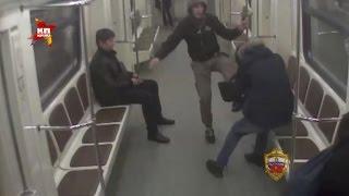Столичные школьники избили мигрантов в метро «за личные обиды»