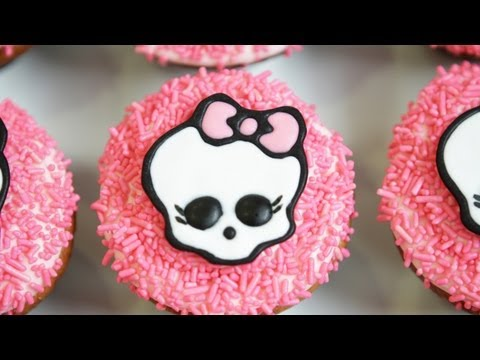 MONSTER HIGH CUPCAKES - NERDY NUMMIES Travel Video