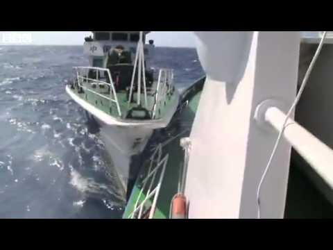 South China Sea ships collide in disputed water