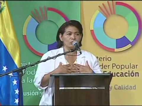 Nancy Arnal aprendió a leer gracias al gobierno bolivariano y hoy estudia Medicina Integral