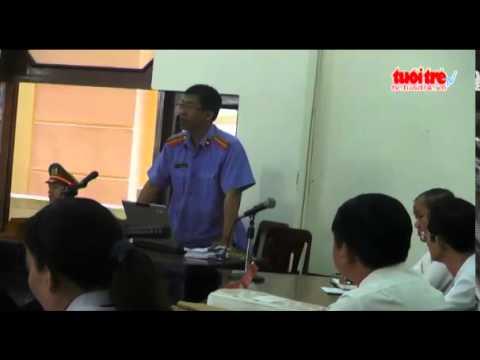 Nguyen nu giam doc benh vien tam than coi ao tai toa