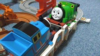 Thomas And Friends working in the coal mine きかんしゃトーマスのビッグローダー