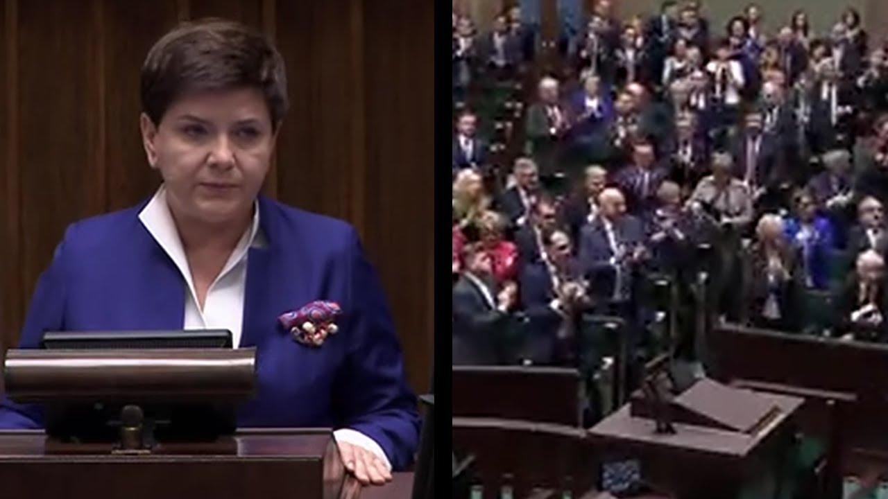 Premier Beata Szydło przestaje pełnić urząd – podziękowania Beaty Szydło za 2 lata