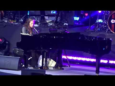 Steven Tyler (Aerosmith) - Dream On (Live at the David Foster Concert in Vancouver)