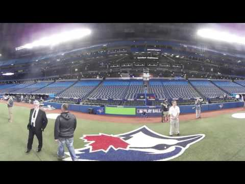 VR 360: Blue Jays take batting practice before Game 3