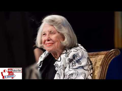 Breaking News:Liz Smith, Premier Gossip Columnist, Dies at 94