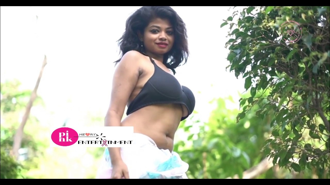 Download White Print Saree & Sexy Blouse Beauty Out Door Photo Shoot  #Pink_Heart_Entertainment # Episode: 63