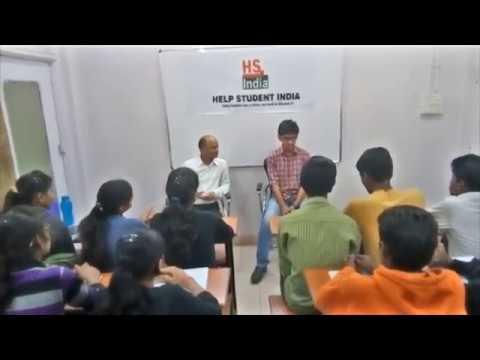 Keshav Gupta MIT '2017-2021 Batch' interacting with students of HSI