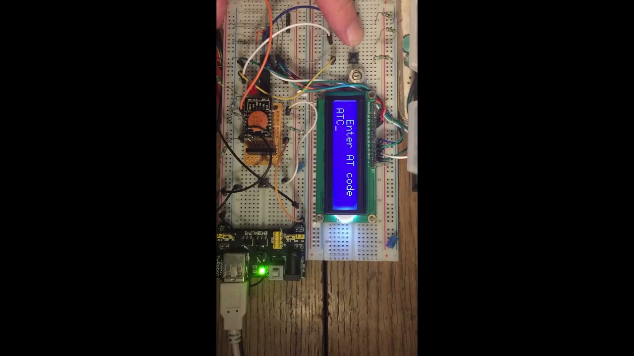 Programming ESP8266 wifi module with AT codes using PIC microcontroller