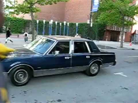 Navy Blue 1980 S Lincoln Town Car Downtown Montreal Youtube