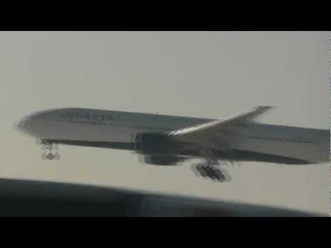 Delta Airlines Boeing 777-232ER Landing RW12R at Minneapolis/St. Paul International Airport