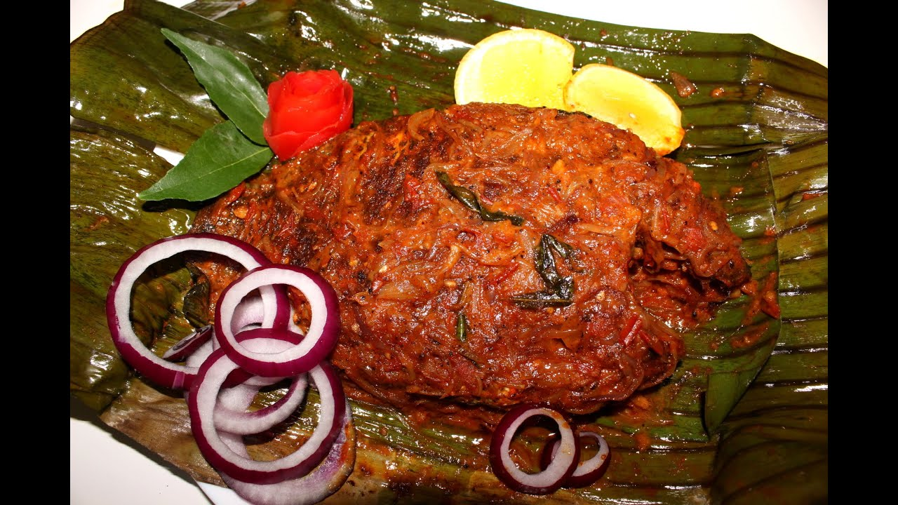 ... (Green chromide) baked in Banana leaf /Karimeen Pollichathu - YouTube