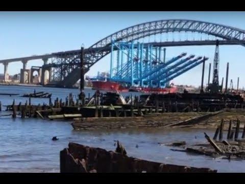 Watch as massive cranes sail under Staten Island bridges