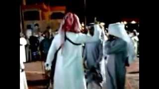 لحظة وفاة المرحوم الشاعر أحمد مفرح الصنيدلي في حفل زواج بالدرب