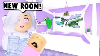 DECORATING MY BABY'S NEW BEDROOM ON BLOXBURG! (Roblox)