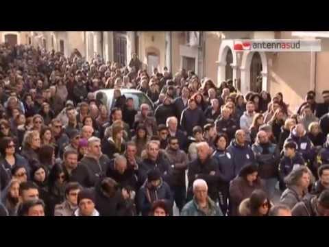 TG 26.03.15 Funerali Trifone, bagno di folla ad Adelfia