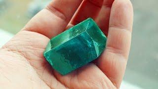 Как вырастить зеленый монокристалл из соли?