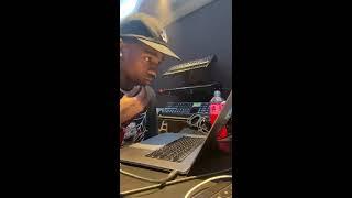 Travis Scott making a beat from scratch - Full Snippet