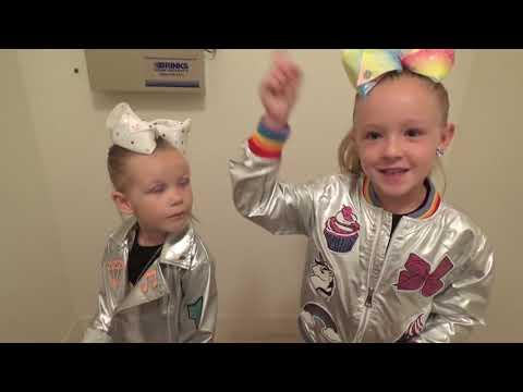Baldis Basics in Real Life in JoJos Closet! JoJo Siwa New Merch Scavenger Hunt!