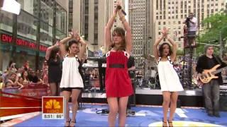 Hilary Duff - Stranger (Rockefeller plaza - Live)