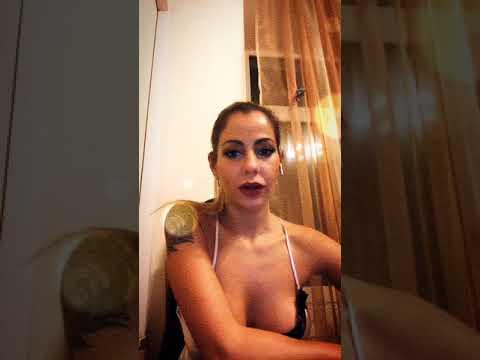 ogromniy-berkova-video-mobil-masturbatsiya-video