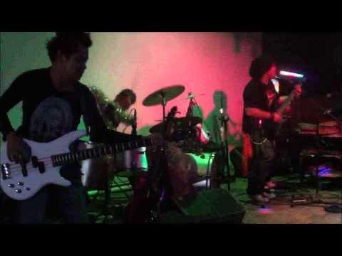 Nadai Agi - The Crew Live At Danau Alai Music Cafe