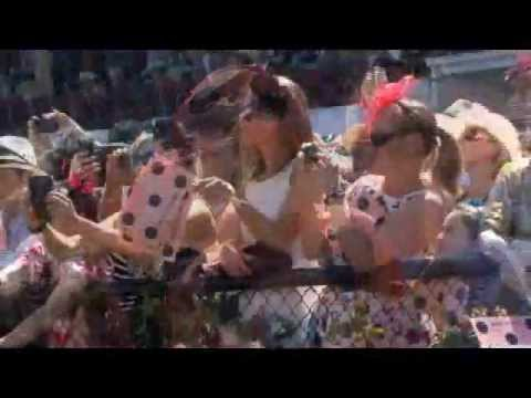 2011 Melbourne Cup Carnival Highlights - Melbourne Cup Carnival at Flemington Racecourse