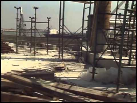 Construction of audubon aquarium of the americas youtube for Construction aquarium
