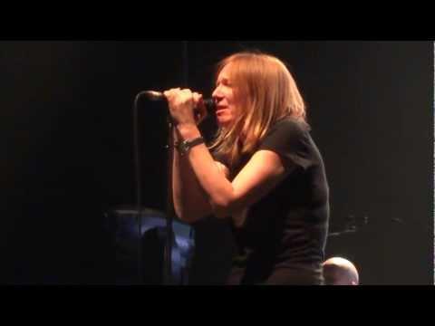 Portishead - Nylon Smile - Full Live @Rockhal (LU) - 10.03.2013 (2/15)