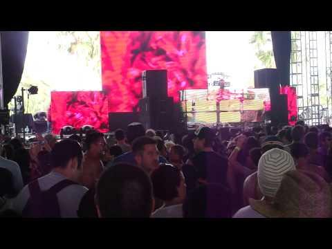 """Jason Bentley """"Good Vibrations"""" @ Coachella 2010"""