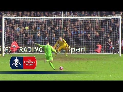 West Ham GK Adrian scores FA Cup winner v Everton (2015) | From The Archive