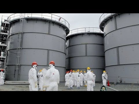 Fukushima cleanup: extracting nuclear fuel rods from damaged reactors