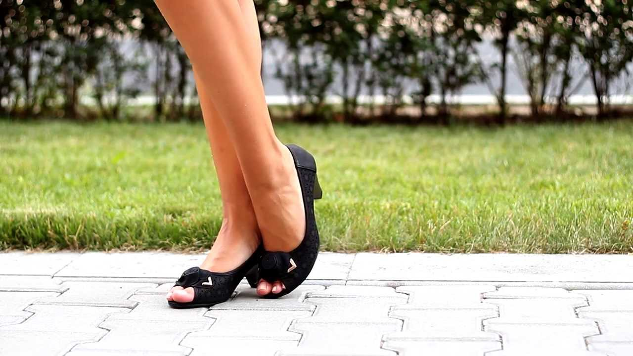 9d94bbb2a50 Дамски обувки с отворени пръсти от Кокетна - YouTube