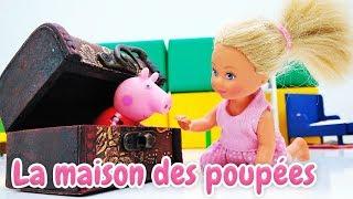 Vidéo en français pour enfants. Poupée Evi a trouvé un coffre magique