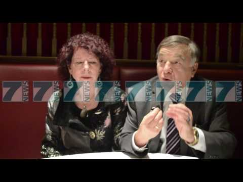 SHERYL DHE JOE DIOGUARDI FLASIN PER RAMUSH HARADINAJ - News, Lajme - Kanali 13