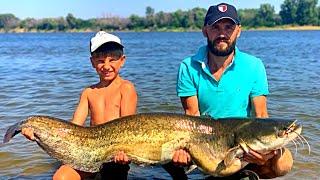 ЭТО ЧУДОВИЩЕ ЧУТЬ НЕ ПЕРЕВЕРНУЛО ЛОДКУ рыбалка на нижней Волге