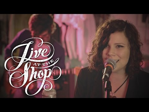 "Chasing Jonah performs ""Blank Space"" by Taylor Swift (TQS - Live At The Shop)"