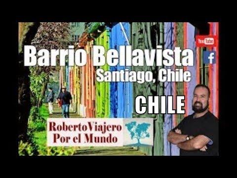 Un peruano visita el Barrio Bellavista en Santiago de Chile