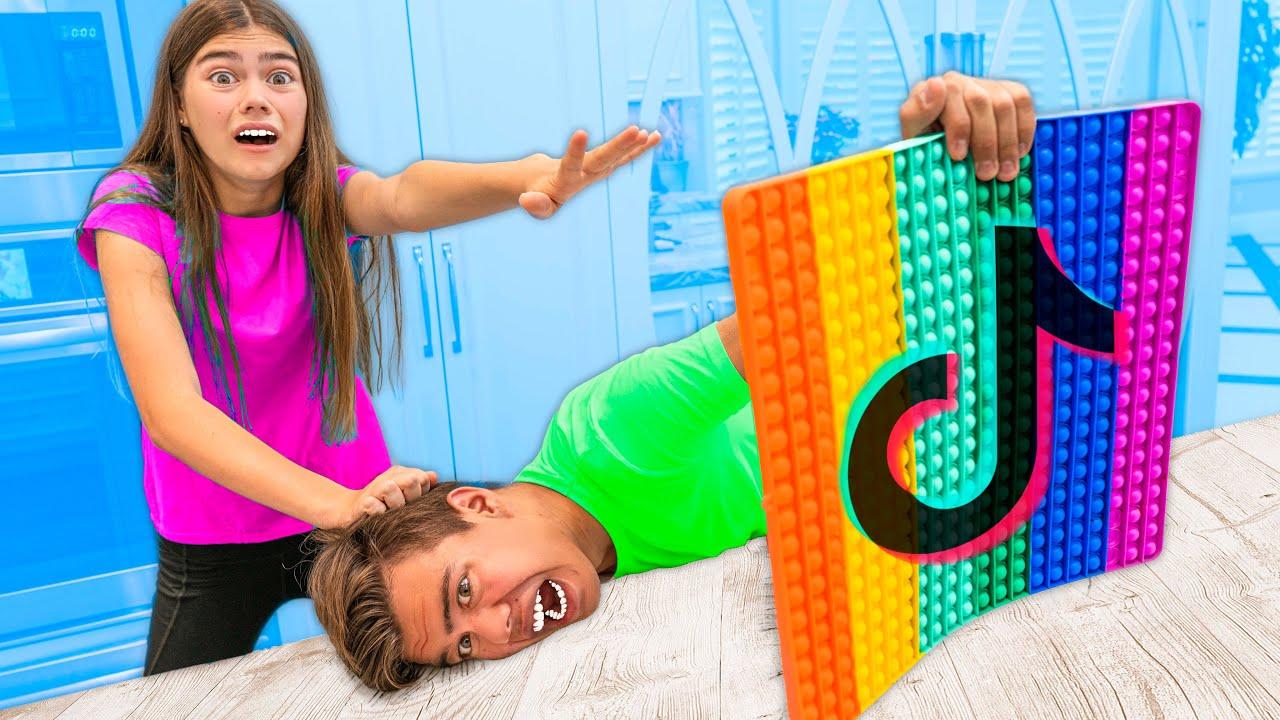 Nastya y Artem hicieron un divertido desafío de TikTok para amigos