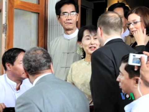 US Special Envoy, Derek Mitchell Meets with Daw Aung San Suu Kyi