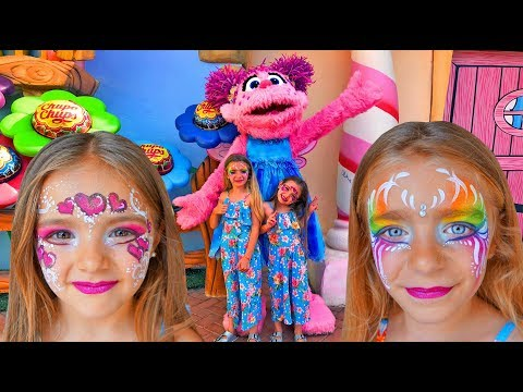 GISELE And CLAUDIA Pretend Play With Playhouse For Kids Funny Video By Las Ratitas