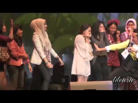 Lee Minho says Hi to 7 lucky fans at Jakarta part 2 (Eng Sub) [FANCAM]