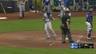 LAD@MIL: Adrian singles to draw Dodgers within a run