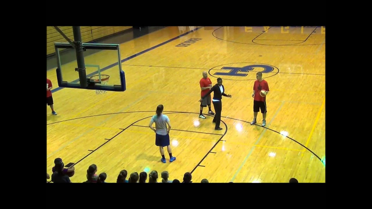 Pick and Roll Scoring With Sophia Young - San Antonio Basketball Camp