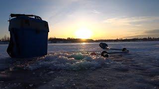 Первый лед на РУЗЕ Рыбалка с ночевкой